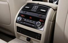 2011 BMW 5-Series interior