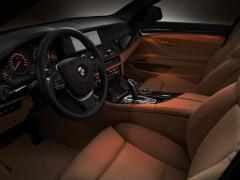 2012 BMW 5-Series Photo 3
