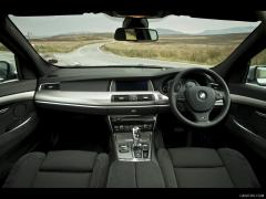 2012 BMW 5-Series Photo 6