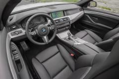 2015 BMW 5-Series interior