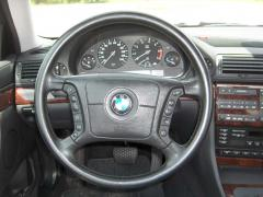 1994 BMW 7-Series 740i Photo 5