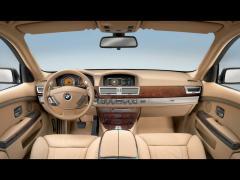 2008 BMW 7-Series Photo 2
