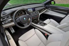 2011 BMW 7-Series interior