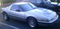 1990 Buick Reatta Photo 3