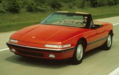 1991 Buick Reatta exterior