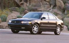 2002 Buick Regal Photo 1