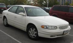 2003 Buick Regal Photo 1