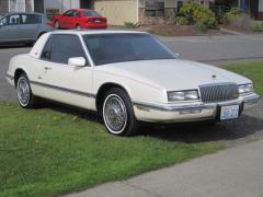 1990 Buick Riviera Photo 1