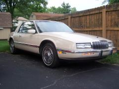 1991 Buick Riviera Photo 1
