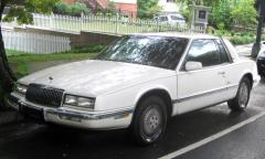 1993 Buick Riviera Photo 1