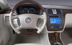 2011 Cadillac DTS interior