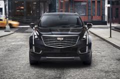 2017 Cadillac XT5 Photo 2