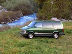 1999 Chevrolet Astro Photo 3