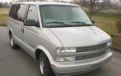 2001 Chevrolet Astro exterior