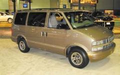 2002 Chevrolet Astro exterior