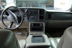2003 Chevrolet Avalanche Photo 2
