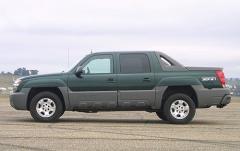 2003 Chevrolet Avalanche exterior