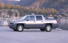 2004 Chevrolet Avalanche exterior