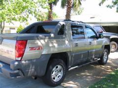 2005 Chevrolet Avalanche Photo 3