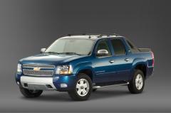 2011 Chevrolet Avalanche Photo 2