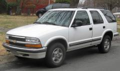 2001 Chevrolet Blazer Photo 1