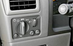 2005 Chevrolet Colorado interior