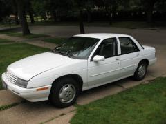 1996 Chevrolet Corsica Photo 1