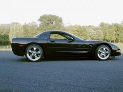 2000 Chevrolet Corvette Photo 3
