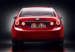 2011 Chevrolet Cruze Photo 2