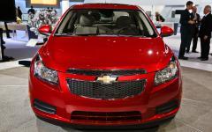 2014 Chevrolet Cruze Photo 2
