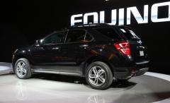 2016 Chevrolet Equinox LS 2WD Photo 3