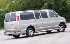 1999 Chevrolet Express exterior