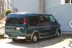 1999 Chevrolet Express Photo 2