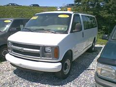 1999 Chevrolet Express Photo 3