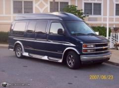 2000 Chevrolet Express Photo 5