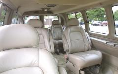 2000 Chevrolet Express interior