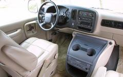 2001 Chevrolet Express interior