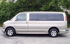 2001 Chevrolet Express exterior