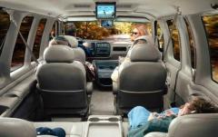 2004 Chevrolet Express interior