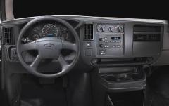 2008 Chevrolet Express interior