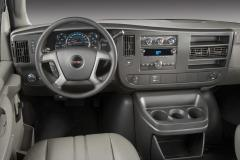 2009 Chevrolet Express Photo 2