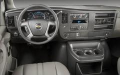 2009 Chevrolet Express interior