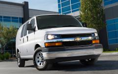 2013 Chevrolet Express Photo 2