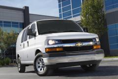 2015 Chevrolet Express Photo 3