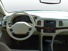 2004 Chevrolet Impala Photo 2