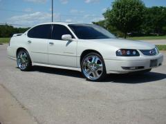2004 Chevrolet Impala Photo 3
