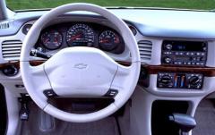 2004 Chevrolet Impala interior