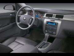 2009 Chevrolet Impala Photo 2