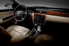 2010 Chevrolet Impala LS interior