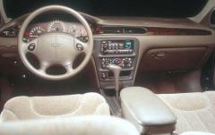 1999 Chevrolet Malibu interior